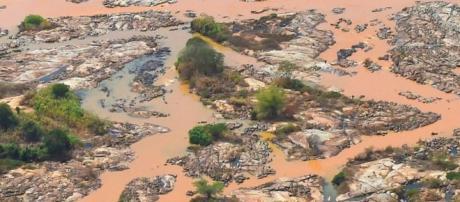 Tragédia causada pela empresa Samarco em Mariana