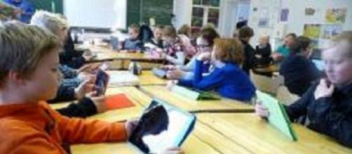 Bambini finlandesi in una scuola