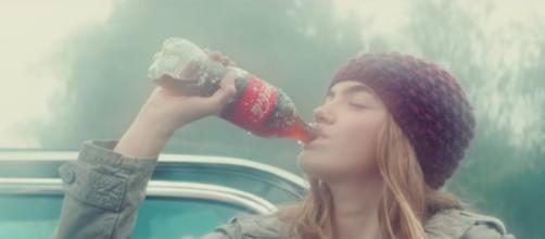 Campanha polêmica da Coca-Cola/Reprodução.