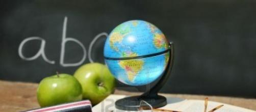 Concorso scuola foto dal sito Aclis.
