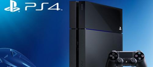 Modelo básico de PlayStation4.