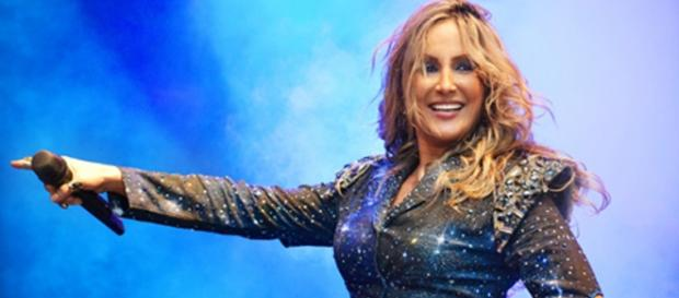 Claudia Leitte reduz valor do cachê