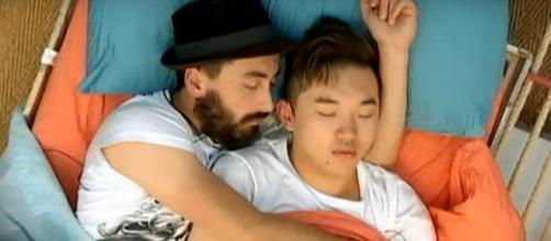 Aritz y Han en una de sus siestas