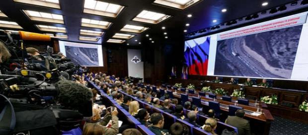 Conferinţă de presă în centrul militar de comandă