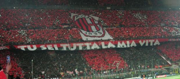 I tifosi del Milan contestano le scelte di mercato
