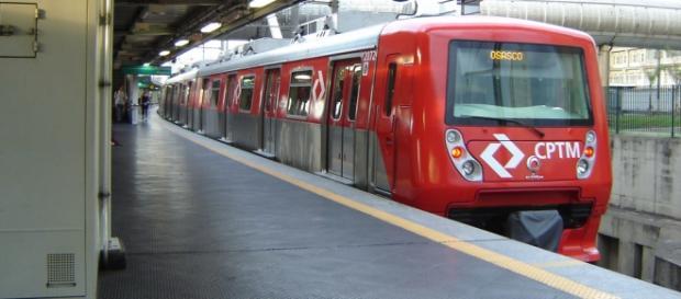 Bomba esvazia estações da CPTM em São Paulo