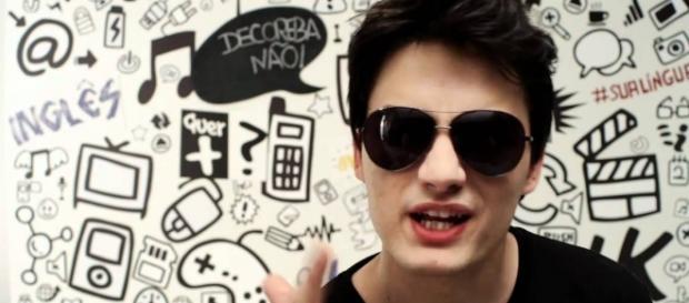 Felipe Neto critica Wesley Safadão