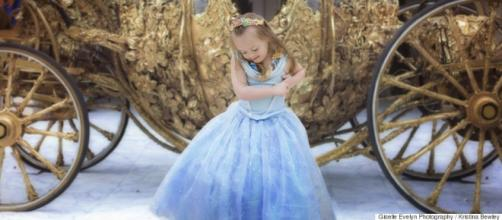 Menina com S. Down e dia de princesa na Disney.