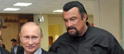 O ator Steven Seagal e o presidente Vladimir Putin