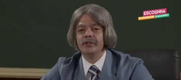 "Bruno Mazzeo interpretando ""Professor Raimundo""."