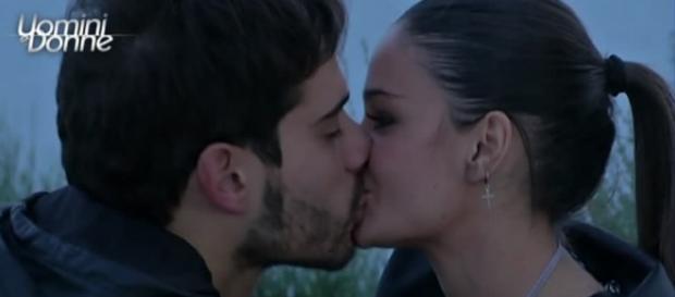 Sophia e Amedeo e la scelta (foto da witty tv).