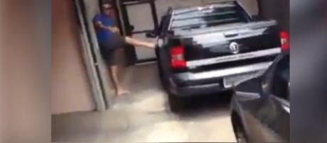 Fabíola é flagrada pelo marido em motel