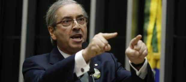 Cunha não renunciará e acusa PT de roubo