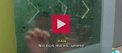 El encuentro sexual de Aritz y Han en la ducha
