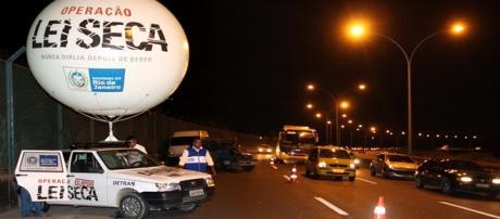 Blitz da Lei Seca em estrada brasileira