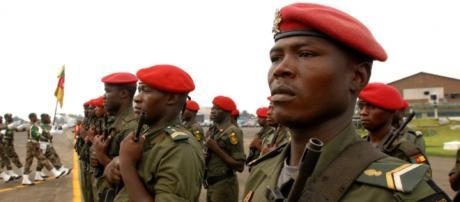 Militari in assetto di guerra in Camerun