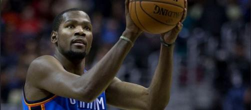 Kevin Durant shot 8-of-14 from the field