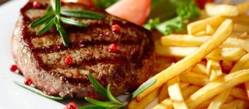 6 alimentos cancerígenos que deberíamos evitar