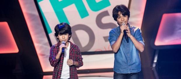 A duplar Enzo e Eder no The Voice Brasil Kids