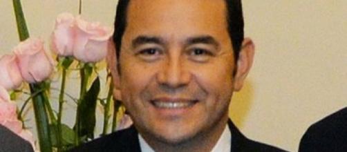 Jimmy Morales, logro la victoria con un 67%