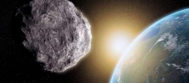 O asteroide passará na noite de Natal