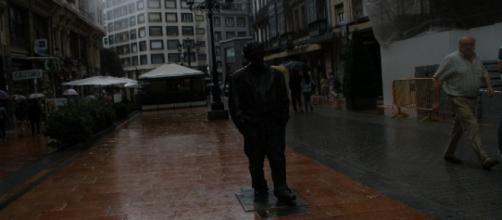 Estatua de Woody Allen en Oviedo (F. del A.)