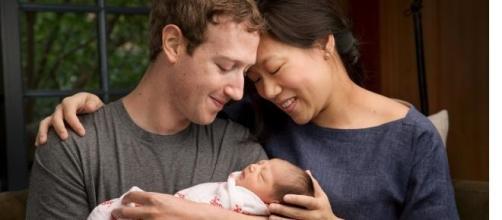 O fundador do Facebook com a família