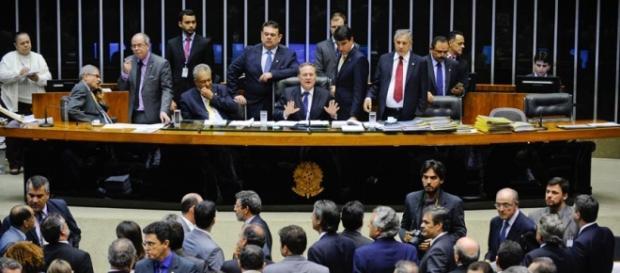 Congresso derruba veto de Dilma Rousseff