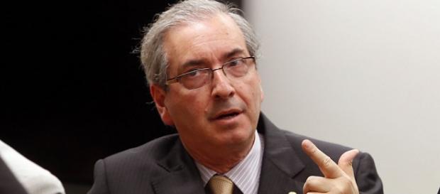 Cunha aceita pedido de impeachment