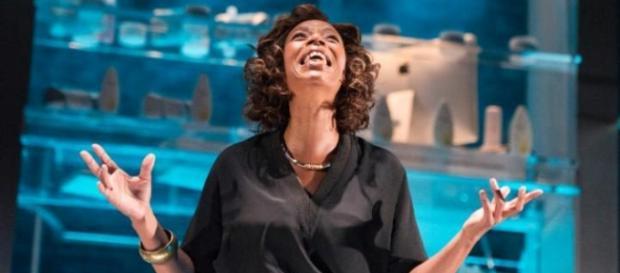 Dumezweni como Linda no Royal Court. Divulgação.