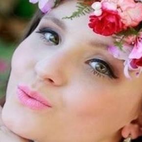 d1ad7e402c0b4 Larissa Manoela renova com SBT por mais 2 anos