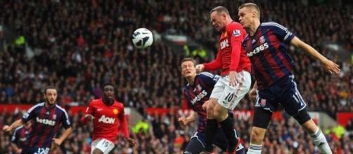 Stoke City e Man Utd são os primeiros em acção