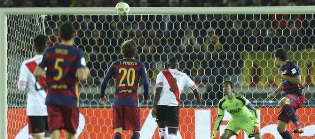 Cabezazo de Suárez que fue el 3-0 definitivo.