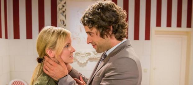 Sebastian dichiara i suoi sentimenti a Luisa.