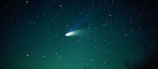 Stella Cadente Di Natale.Cometa Asteroidi E Stelle Cadenti Nel Cielo Di Natale Gli