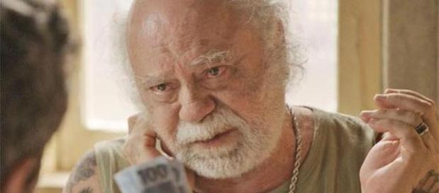 Ator Tonico Pereira em situação incômoda.