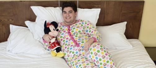 Sema con su característico pijama