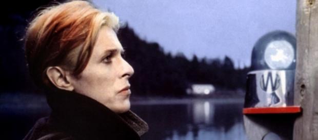 """David Bowie en el fotograma que ilustró """"Low"""""""