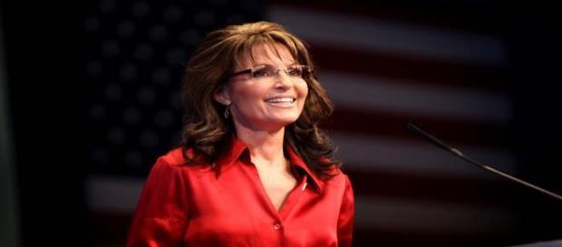 Sara Palin parodies her parody Tina Fey/photo:wiki