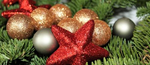 Frasi Natale E Buon Anno.Frasi Di Buon Natale E Anno Nuovo Originali Per Sms E Facebook