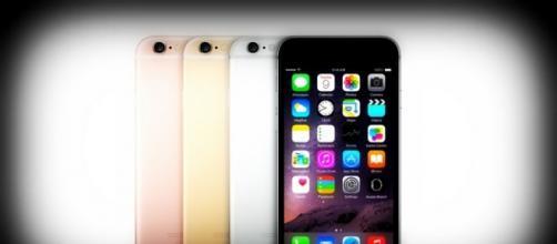 Immagini Di Natale Per Iphone 5.Migliori Prezzi Natale 2015 Per Iphone 6 5 E 4 Le Promozioni