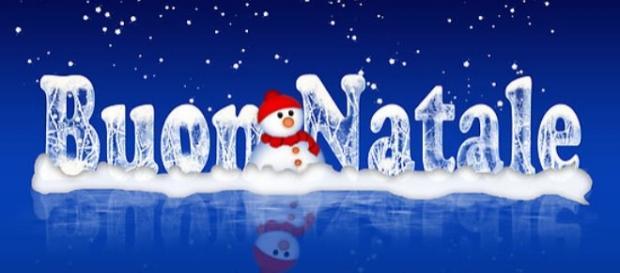 Auguri Di Buon Natale Alla Famiglia.Frasi Auguri Natale Dolci Pensieri Da Scrivere Ed Inviare Ad Amici