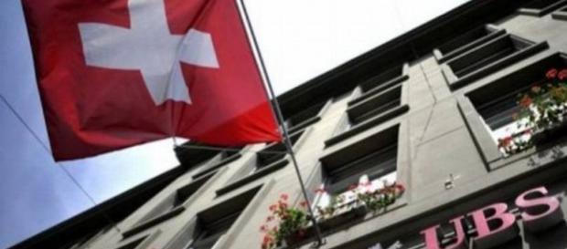 Os bancos suíços estão revelando as listas