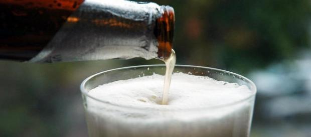 Sua cerveja preferida pode ser água com milho.
