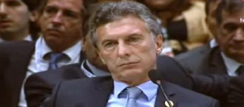 El presidente Macri gobierna por decreto
