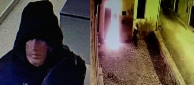Foto dell'uomo che ha incendiato gli uffici