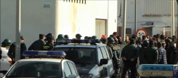 La Guardia Civil intenta controlar la situación