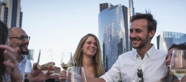 Toast with Italian Wines (Libiamo)