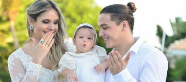Wesley Safadão, a esposa Thyane e a filha do casal