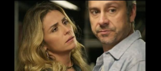 Atena descobre quem é o 'Pai' e deixa Romero louco